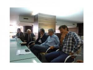 Sergio Chiamparino (al centro) durante l'incontro a Vercelli