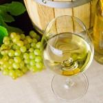 bicchiere_di_vino_bianco_erbaluce_di_caluso