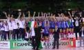 """Notte magica, le ragazze Igor Volley campionesse d'Italia. Poi il """"bagno"""" di folla (fotogallery)"""
