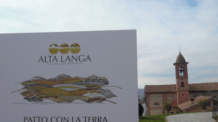Patto fra gentiluomini con la terra: così nascono le bollicine Alta Langa (photogallery)