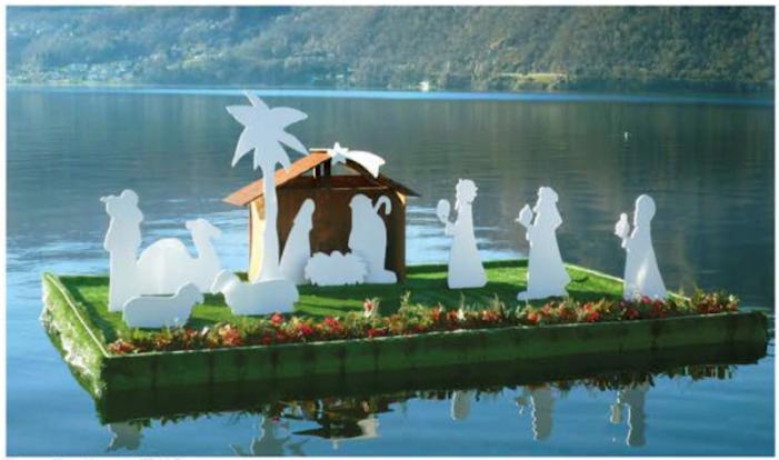 Buon Natale con il presepe galleggiante da Orta a Tiberiade