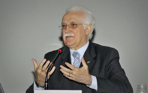 Giorgio Calabrese premiato insieme con il Nobel della Medicina