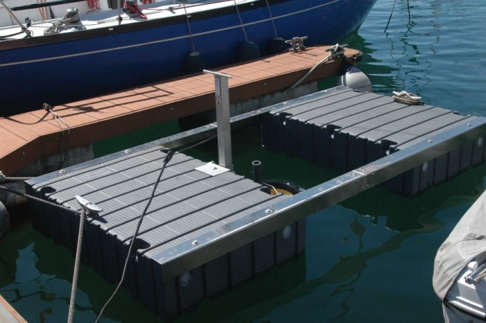 Il cestino mangiaplastica salva i pesci del lago